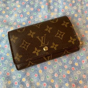❤️ Authentic Louis Vuitton Trésor wallet